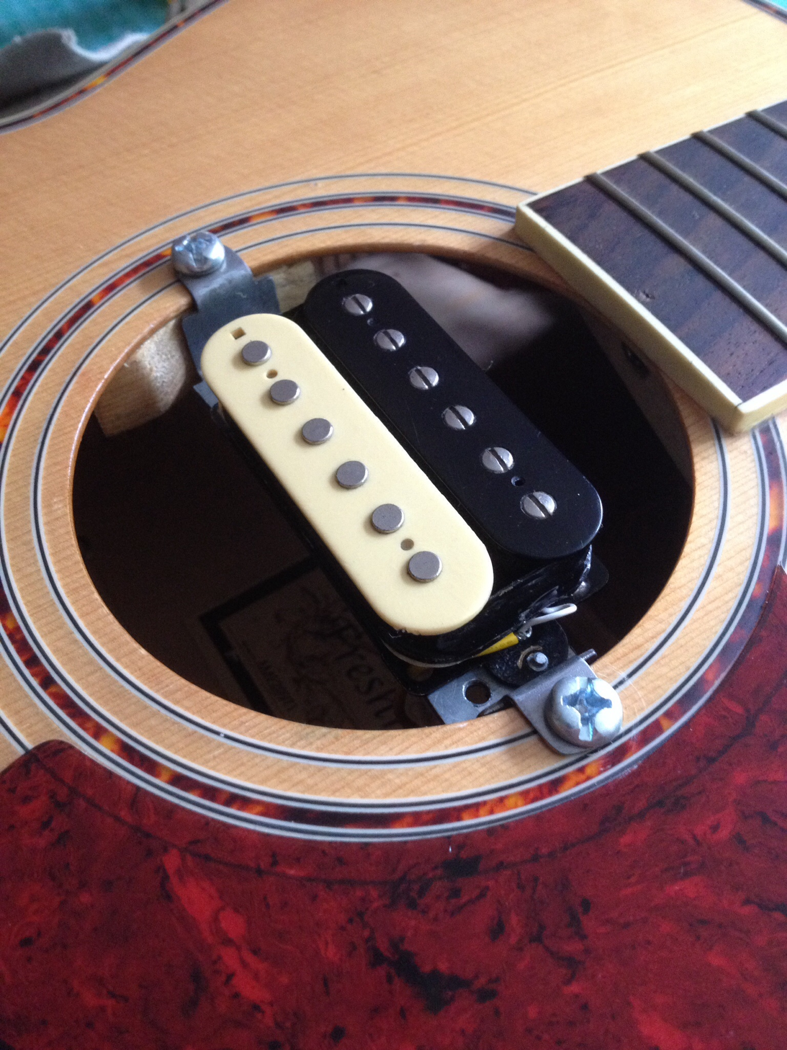 A Lo-Fi Acoustic Guitar Pickup - tonefiend com