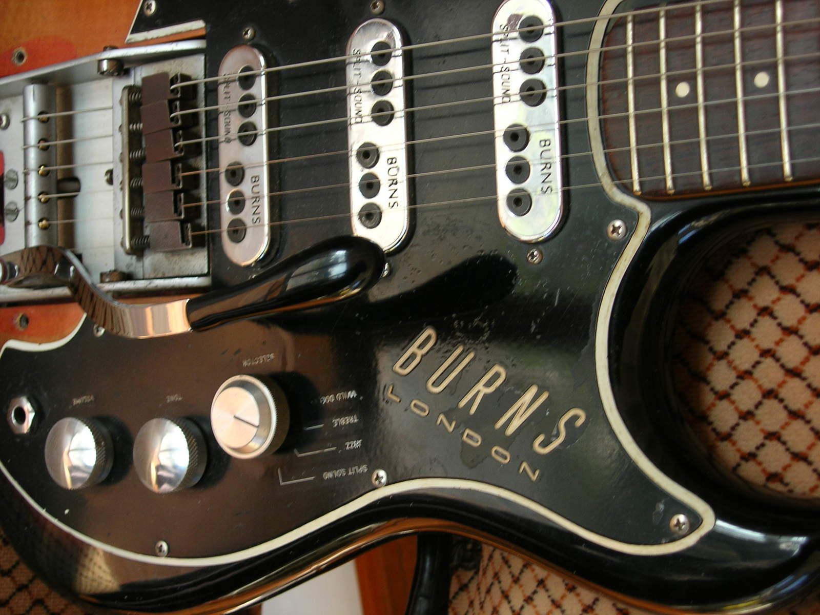 Those Mysterious Burns Pickups Noise Less Wiring Diagram Further Gibson P 90 Pickup Some Guitars Had Four Settings Split Sound Jazz Treble And Wild Dog